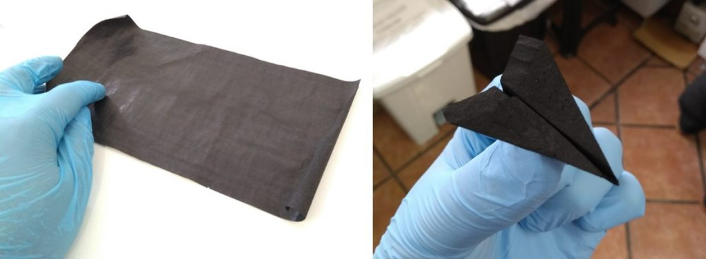 On the left, carbon nanotube film (buckypaper) produced by the team. On the right, an airplane made with this buckypaper.