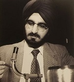 Narinder Singh Kapany. http://www.sikhfoundation.org/people-events/jewels-of-punjab-dr-narinder-singh-kapany/